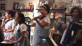 NonaRia - Papaja Cha-Cha-Cha [featuring Louise Sitanggang] (Live at Kios Ojo Keos 18/12/2018)