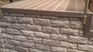 Крыльцо. Террасная доска и панели Альта-профиль(Крыльцо из металлического каркаса обшил панелями Альта-профиль, в стиль основного цоколя. Поверхность..., 2016-08-02T08:53:00.000Z)