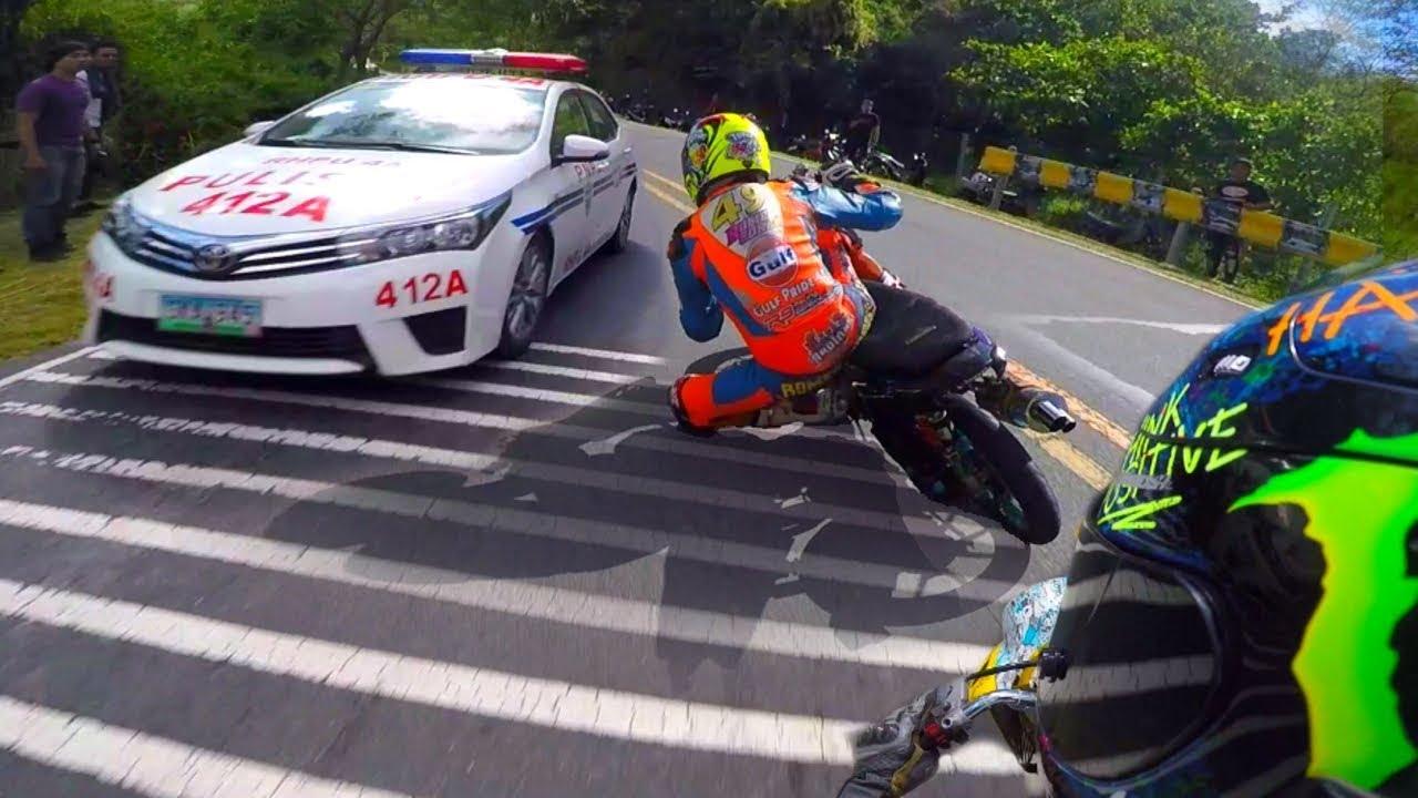 Najlepsze motocyklowe akcje, pościgi policyjne ucieczki stunt i śmieszne wypadki na skuterach