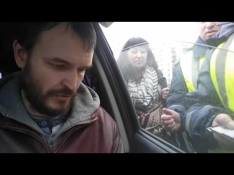 Полицаи ДПС ГИБДД РФ Курска 17 марта 2017 года - подкат и арест живого мужчины
