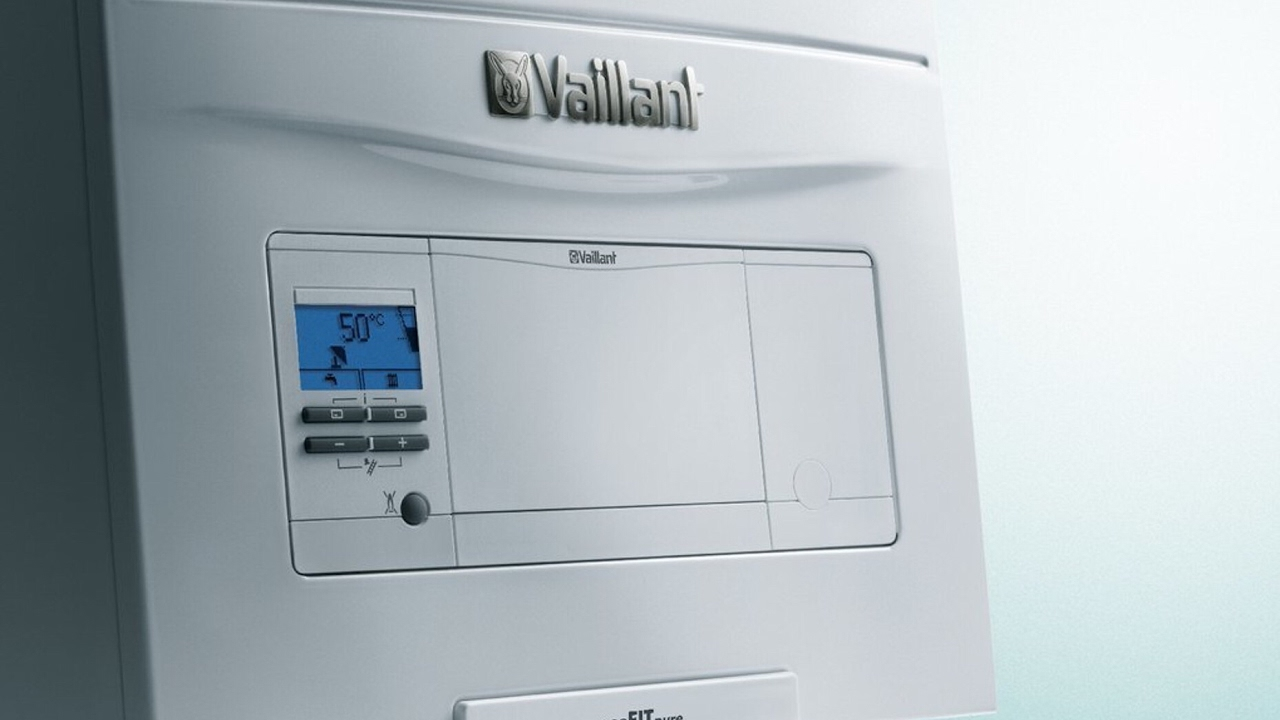 Vaillant EcoFit Pure Boiler Installation and first impression - YouTube