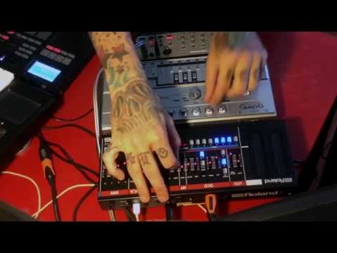 Marc Molina/Bass Bot/Roland Boutique Ju-06 & Friends... Korg Volca, Line 6 HD500, Electribe 2.