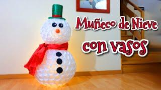 Muñeco de nieve con vasos de plástico | Manualidades fáciles para Navidad thumbnail