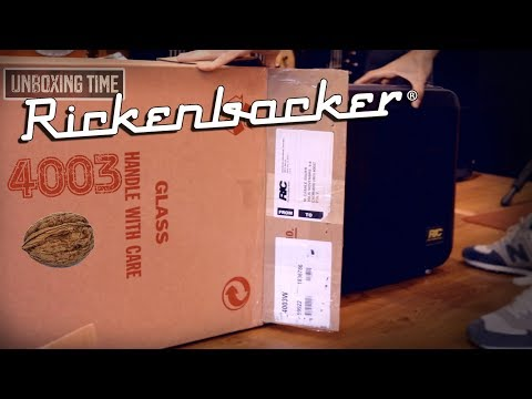 UNBOXING TIME! Rickenbacker 4003W (ITA)