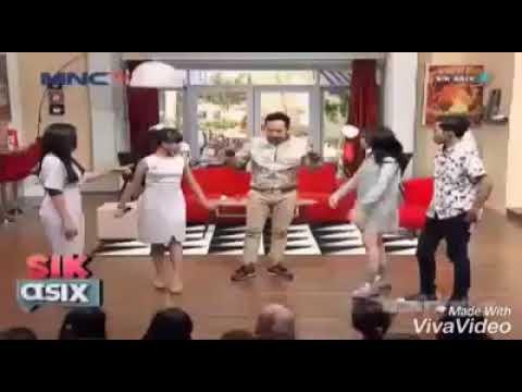 Adu cengkok Tasya Rosmala vs Ayu Ting Ting di acara Sik Asik MNCTV