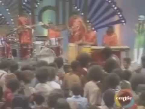 Fred Wesley & the J.B.'s - Damn Right I Am Somebody (+Interview) (Soul Train 1974)