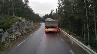 Norwegia. Podjazd pod górę na rozładunek.