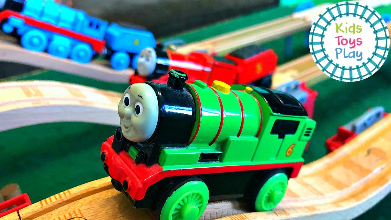 Thomas and Friends Mystery Wheel Motorized Wooden Railway Races