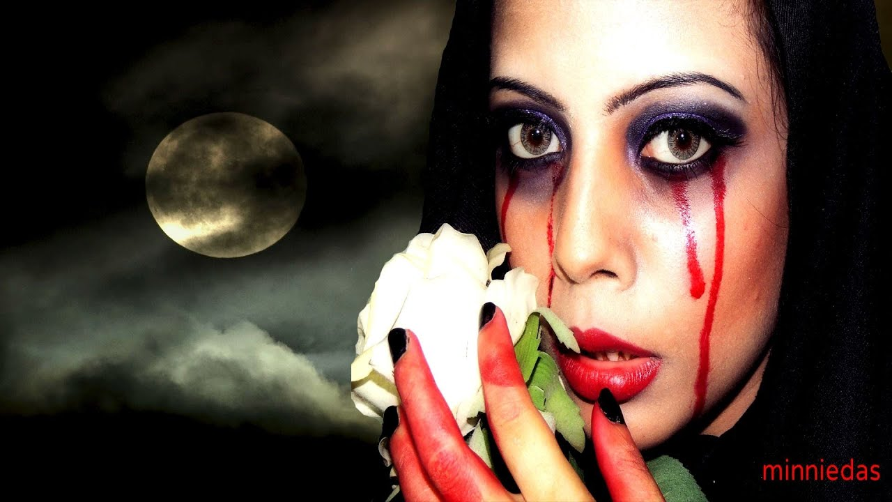 Easy Bloody Mary Halloween Makeup Tutorial - YouTube