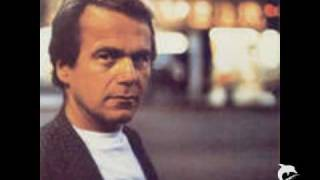 Glenn Shorrock                Villain of the Peace