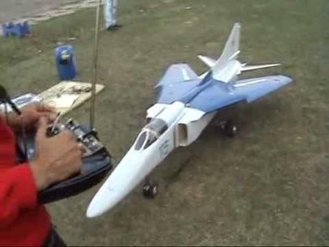 Полёт реактивной модели