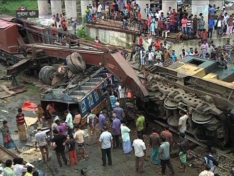 সড়ক পথের পাশাপাশি রেলক্রসিংও এখন মৃত্যুফাঁদ | BD News Report | Somoy Tv