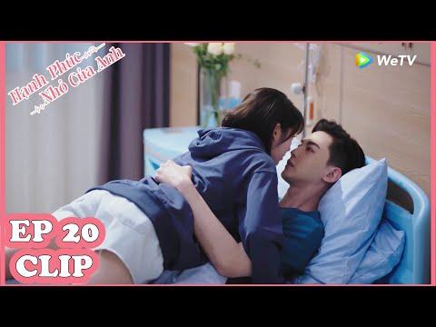 Clip   Hạnh Phúc Nhỏ Của Anh Tập 20 (Vietsub)   Màn KISS Siêu Ngọt Khi Bác Sĩ Ôn Bị Ốm   WeTV