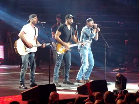 Luke Bryan Dierks Bentley Cole Swindell The Only Way I Know Dirt Road Diaries Tour Live Nashville