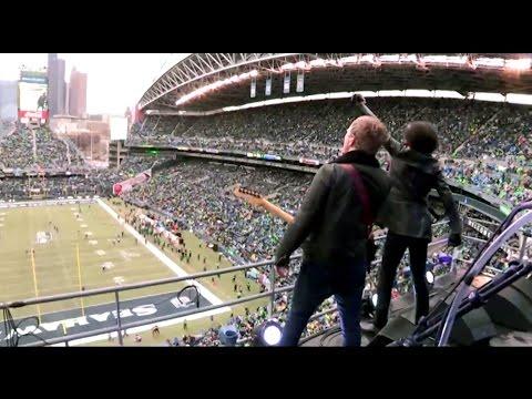 Alice In Chains - Man In The Box / Would? (Seattle, 1-18-15) - NFC Championship Halftime