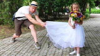 НастяПлей выходит замуж Наряжается в платье невесты