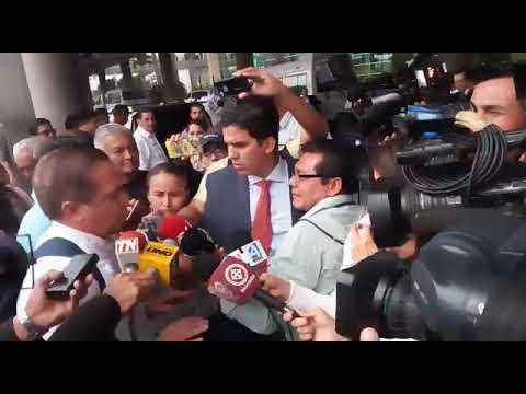 Ciudadanía abuchea a Patiño a su llegada a Guayaquil