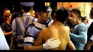 Video Japanese Police Fight Gangsters with Hugs download MP3, 3GP, MP4, WEBM, AVI, FLV September 2017