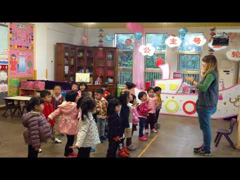 The four seasons song, teaching children TPR | teaching english in china
