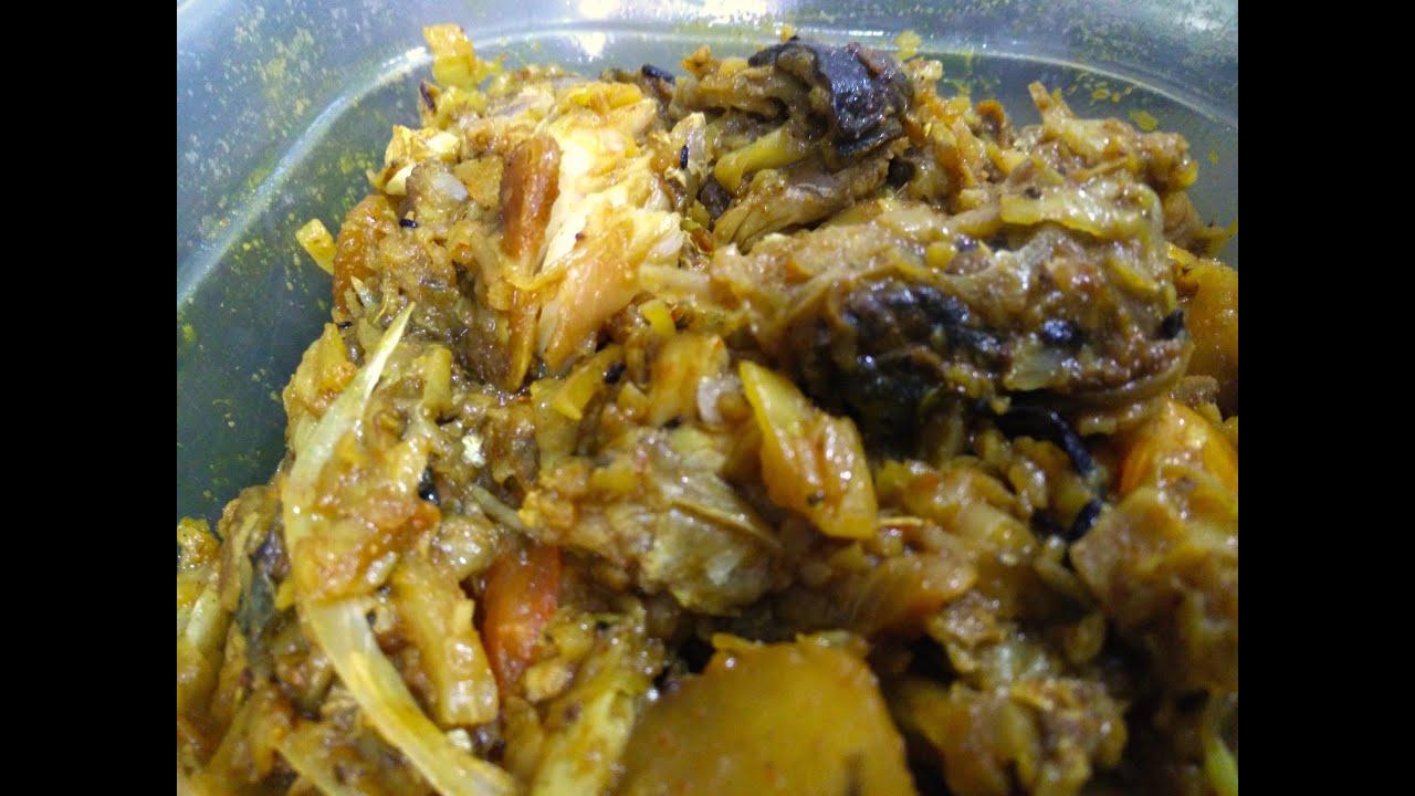 Cabbage with fish head bengali recipe youtube for Fish head recipe