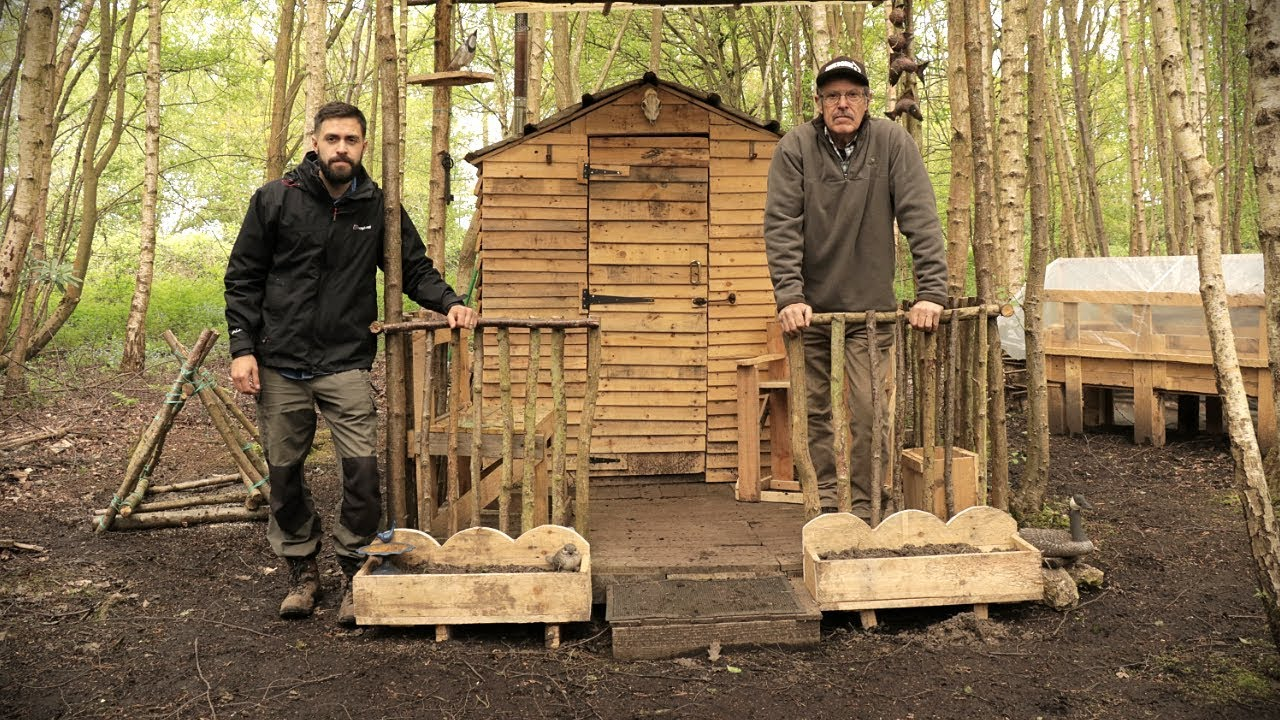 Off Grid Pallet Wood Homestead Build Pallet Wood Projects At The Cabin