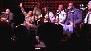 Bernice Johnson Reagon, Toshi Reagon and Big Lovely - Swing Low, Sweet Chariot