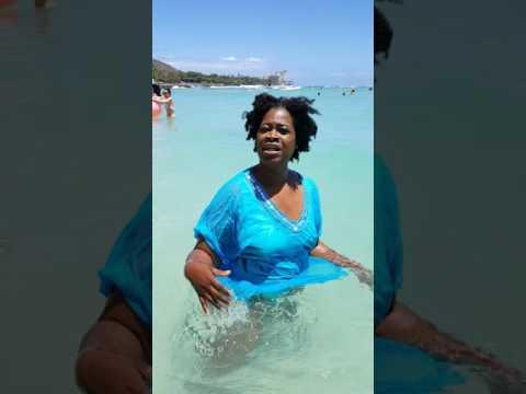Hello from Honolulu beach