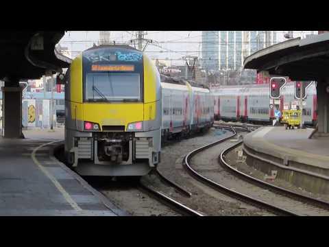 Enkele Treinen Te Brussel-Zuid