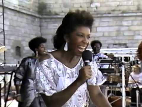 Natalie Cole - This Will Be (An Everlasting Love) - 8/24/1986 - Newport Jazz Festival (Official)