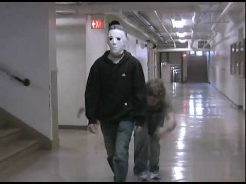 michael meyers gets down to billy jean | Doovi