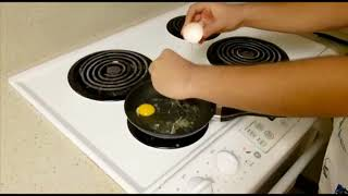 Cooking with Rish: How to cook eggs!(Sunny side up)