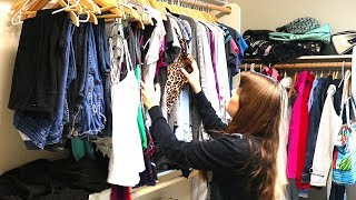 CLOSET PURGE AND ORGANIZATION // CLEANING MOTIVATION // POWER HOUR CLEANING