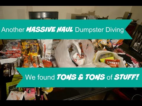 ANOTHER MASSIVE HAUL DUMPSTER DIVING | TONS & TONS OF STUFF!