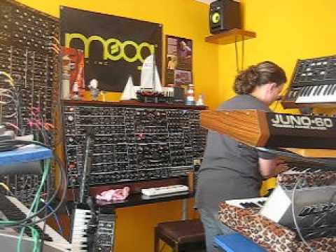 Analogue Synthesizer goes Berlin Old school (GRP A8, Minimoog, Moog Prodigy & friends)