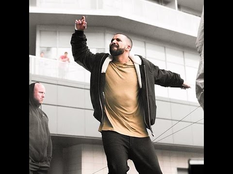 Drake Sells Over 1.075 Million First Week with
