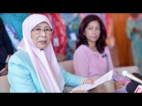 Wan Azizah: Mechanism for housewives to contribute to EPF to be looked into