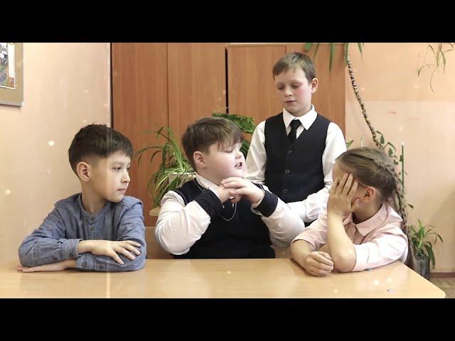 Изображение предпросмотра прочтения – «Театральное детство» читают произведение «Я ль виноват, что я поэт...» С.А.Есенина