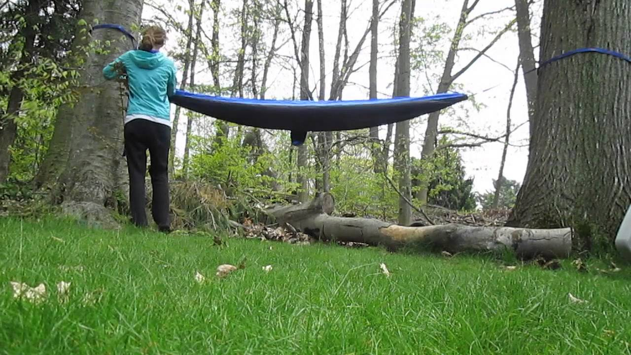 How To Set Up A Hammock With Trunk Straps Youtube