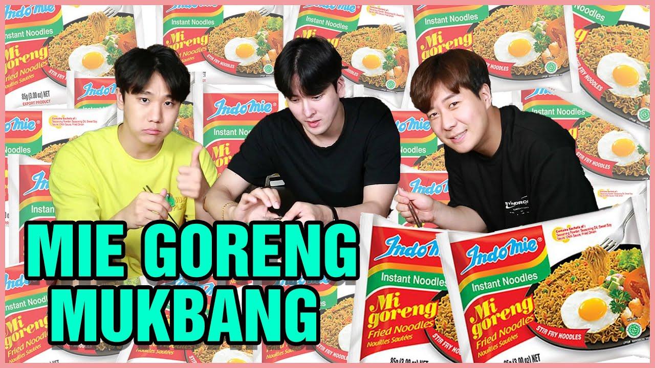 REAKSI ORANG KOREA MAKAN MIE GORENG INDONESIA   Oppa kkyuleogi masak sendiri! Gimana ya rasanya..?