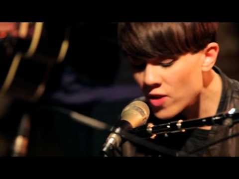 Tegan and Sara - Call It Off (Live) [Get Along DVD]