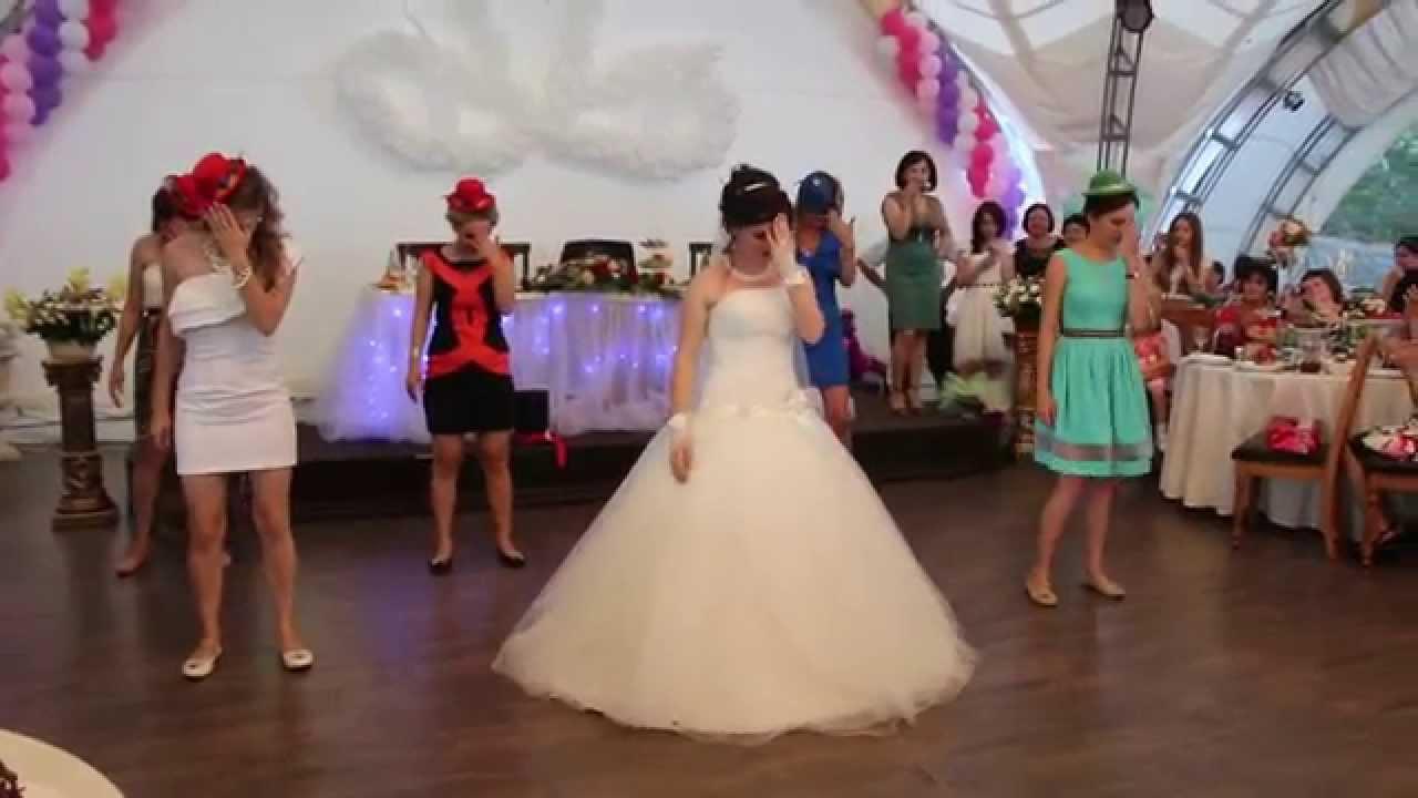 Прикольные подарки на свадьбу молодоженам: идеи и фото 54