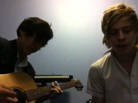 Rolling In The Deep - 5 Seconds of Summer (cover)