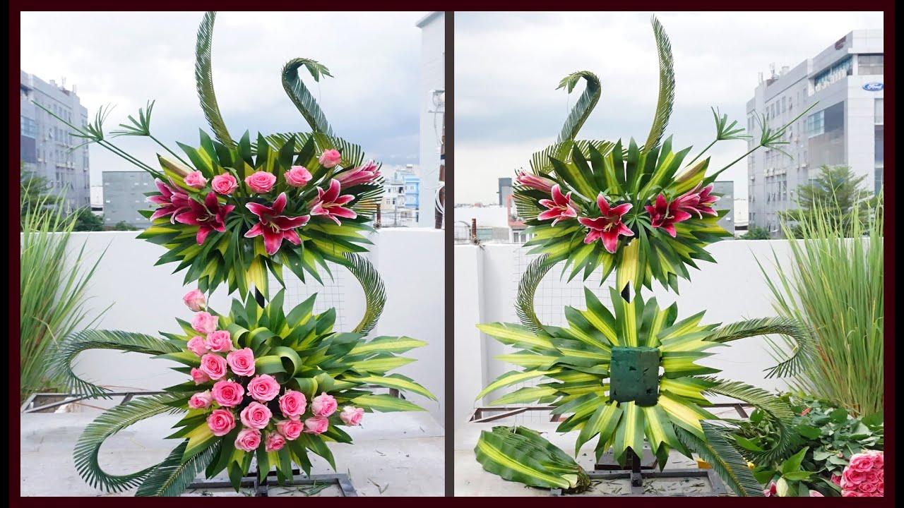 Lẳng hoa 2 tầng để bàn thờ sử dụng Hoa Ly mix hoa hồng