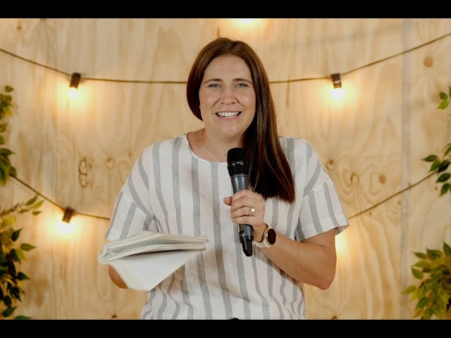Thrive Church Online | 20th December | Leanne Bateman
