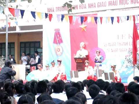Hoa ban vào lớp (20-11-2010) Part1