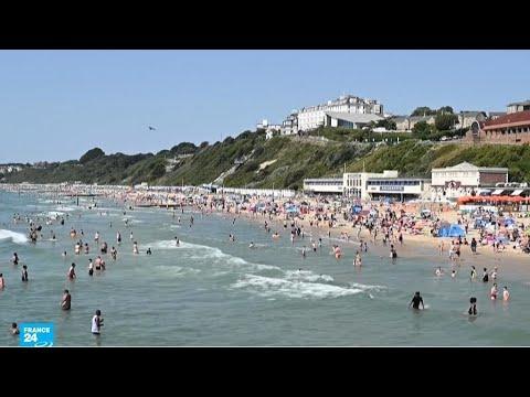 شواطئ بريطانيا تعج بالمصطافين بسبب الحرارة الخانقة والسلطات قلقة من استمرار تفشي فيروس كورونا  - نشر قبل 23 ساعة