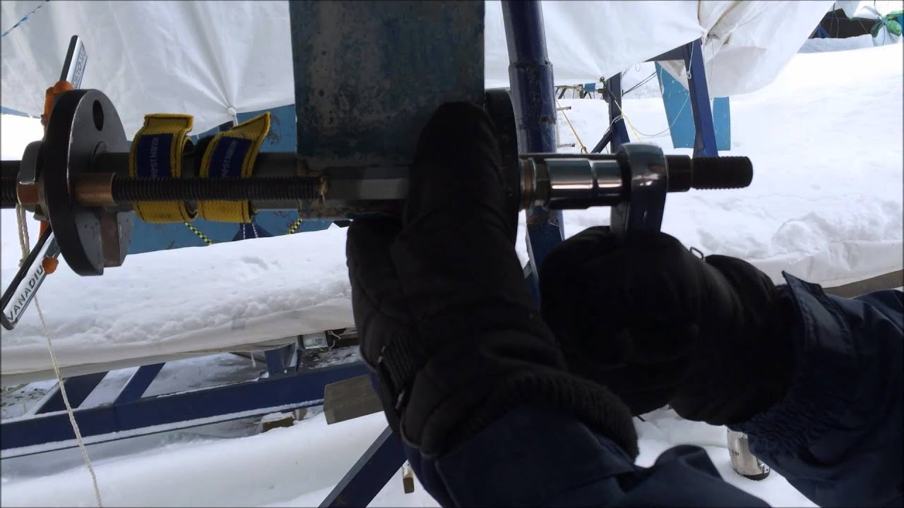 Cutlass Bearing 1 Shaft Drive : How to remove a cutlass bearing without removing the shaft