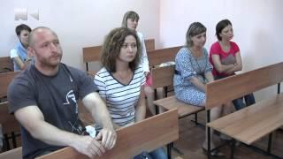 В Новокузнецке родители, чей ребенок получил травму в д/с, через суд требуют компенсацию(, 2015-07-29T11:51:34.000Z)