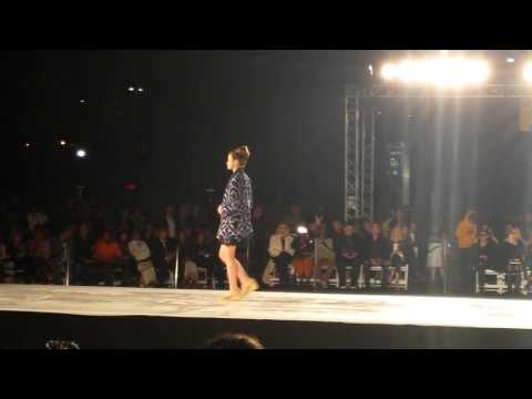 LA  Fashion Week 2016 Nancy Vuu By Nathalie g