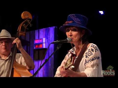"""Pam Tillis """"I'm Letting My Roots Show"""""""